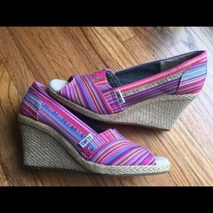 Toms Espadrille Multicolor Striped Wedges